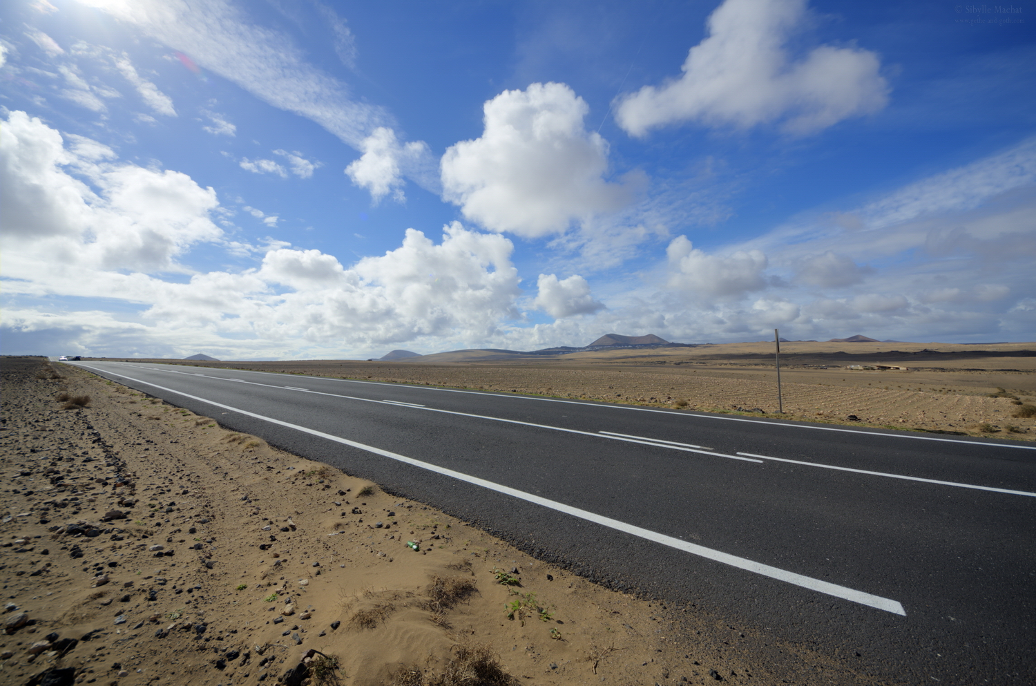 A road through El Jable, Lanzarote
